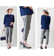 Pantalon de grossesse à fines rayures avec double système de réglage de la taille