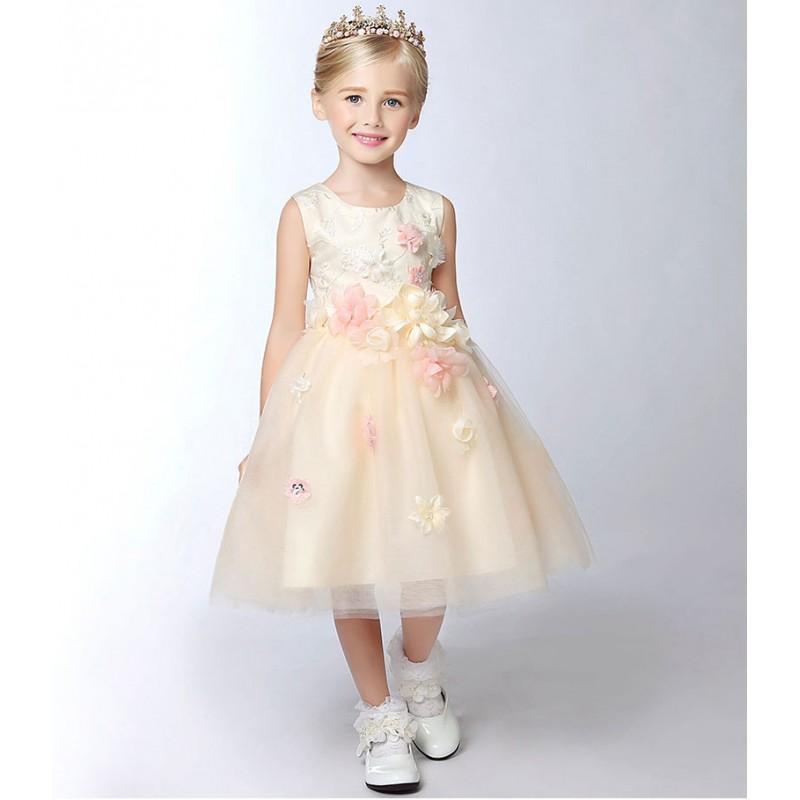 robe couleur champagne de c r monie pour petite fille sweet mommy. Black Bedroom Furniture Sets. Home Design Ideas